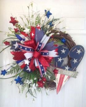 Pratiotic Handmade 4th Of July Wreath Ideas 45