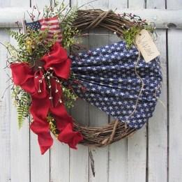 Pratiotic Handmade 4th Of July Wreath Ideas 49