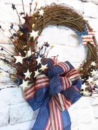 Pratiotic Handmade 4th Of July Wreath Ideas 52