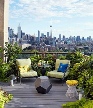 Stunning Balcony Decoration Ideas With Seating Areas 08