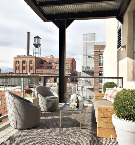 Stunning Balcony Decoration Ideas With Seating Areas 11