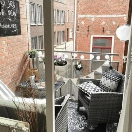Stunning Balcony Decoration Ideas With Seating Areas 17