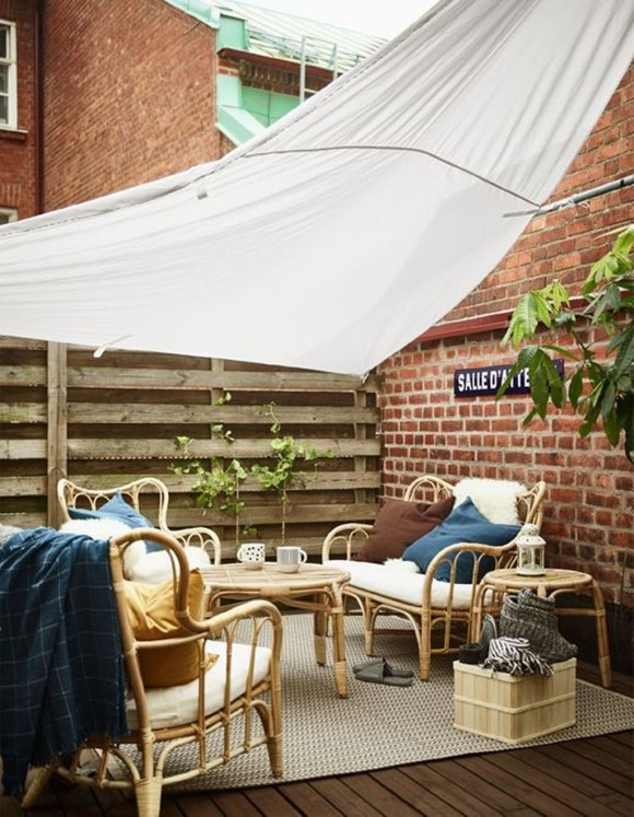 Stunning Balcony Decoration Ideas With Seating Areas 22