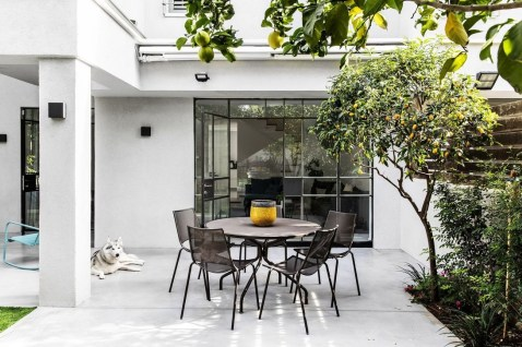 Stunning Balcony Decoration Ideas With Seating Areas 42