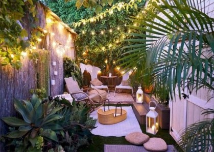 Stunning Balcony Decoration Ideas With Seating Areas 46