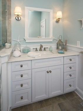 Stylish Coastal Bathroom Remodel Design Ideas 18