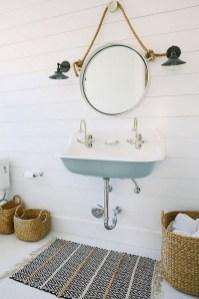 Stylish Coastal Bathroom Remodel Design Ideas 29