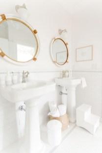 Stylish Coastal Bathroom Remodel Design Ideas 37