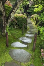 Awesome Small Garden Ideas With Stone Path 12
