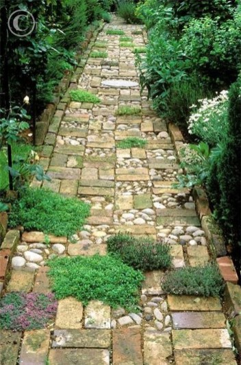 Awesome Small Garden Ideas With Stone Path 17