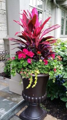 20 Beautiful Summer Container Garden Flower Ideas Lovahomy