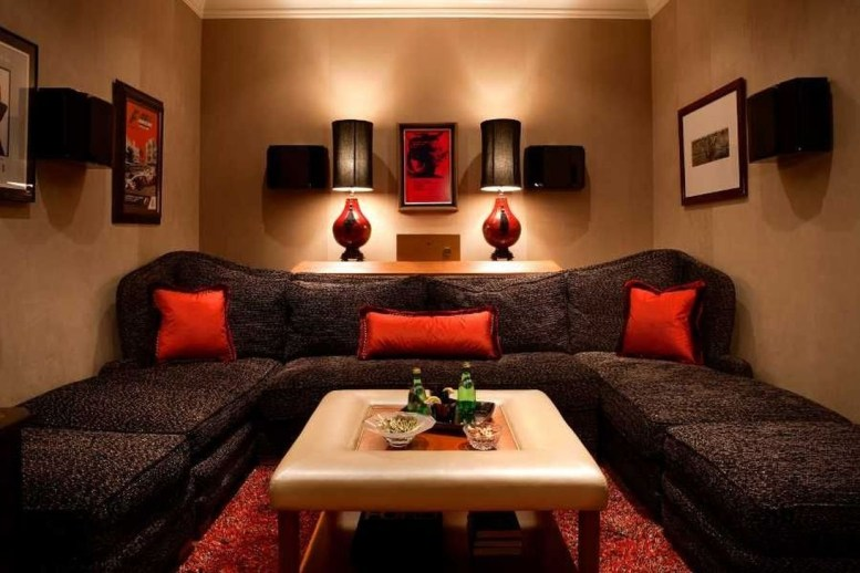 Best Small Movie Room Design For Your Happiness Family 09