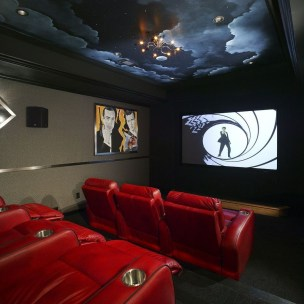 Best Small Movie Room Design For Your Happiness Family 32