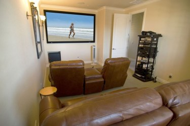 Best Small Movie Room Design For Your Happiness Family 47