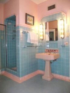 Impressive Vintage Bathroom Decoration You'll Love 01