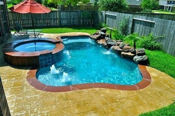 Innovative Small Swimming Pool For Your Small Backyard 17
