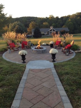 Marvelous Outdoor Fire Pit Ideas To Enjoying This Summer 08
