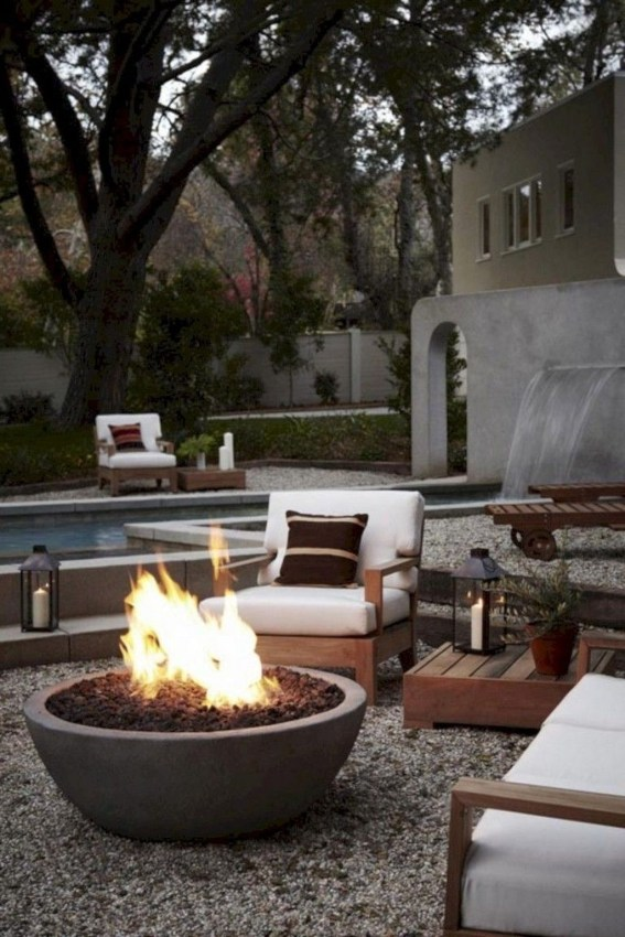 Marvelous Outdoor Fire Pit Ideas To Enjoying This Summer 20