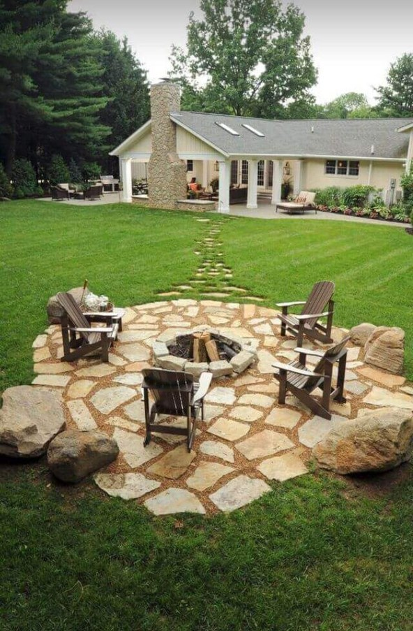 Marvelous Outdoor Fire Pit Ideas To Enjoying This Summer 21