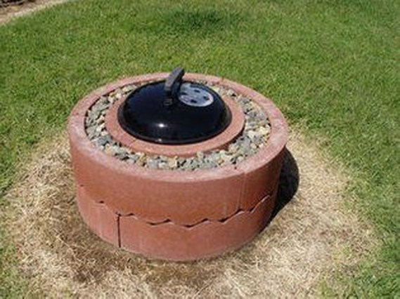 Marvelous Outdoor Fire Pit Ideas To Enjoying This Summer 32