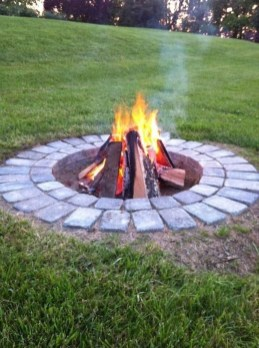 Marvelous Outdoor Fire Pit Ideas To Enjoying This Summer 46