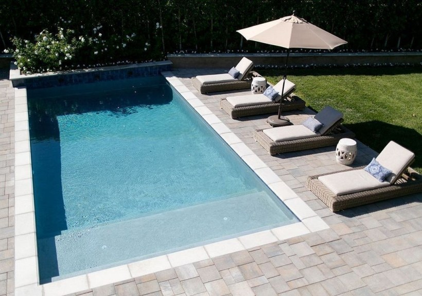 The Best Swimming Pool Design Ideas For Summer Time 40