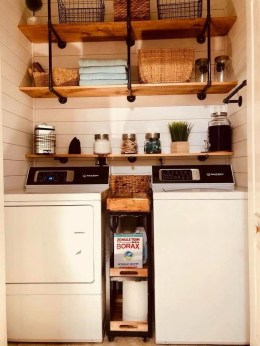 Wonderful Laundry Room Decorating Ideas For Small Space 26