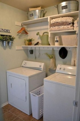 Wonderful Laundry Room Decorating Ideas For Small Space 35