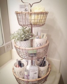 Amazing Bathroom Decor Ideas With Farmhouse Style 04