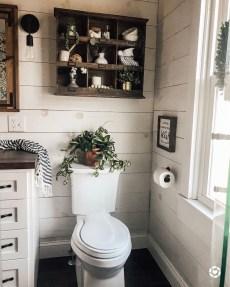 Amazing Bathroom Decor Ideas With Farmhouse Style 29