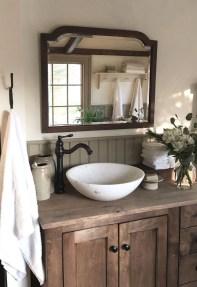 Amazing Bathroom Decor Ideas With Farmhouse Style 31