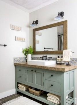 Amazing Bathroom Decor Ideas With Farmhouse Style 44