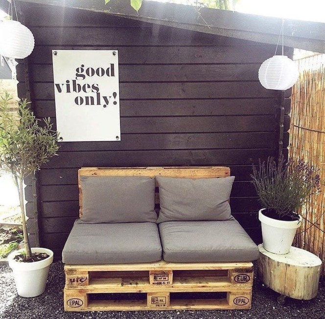 Best DIY Outdoor Furniture Ideas You Can Put In Garden 48