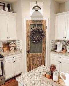 Fabulous Rustic Kitchen Decoration Ideas 02