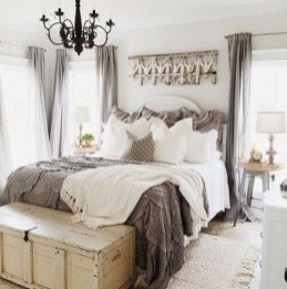 Gorgeous Farmhouse Bedroom Remodel Ideas On A Budget 12
