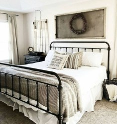 Gorgeous Farmhouse Bedroom Remodel Ideas On A Budget 22