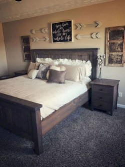 Gorgeous Farmhouse Bedroom Remodel Ideas On A Budget 25