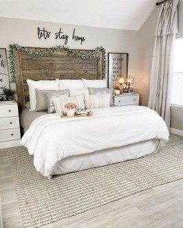 Gorgeous Farmhouse Bedroom Remodel Ideas On A Budget 26