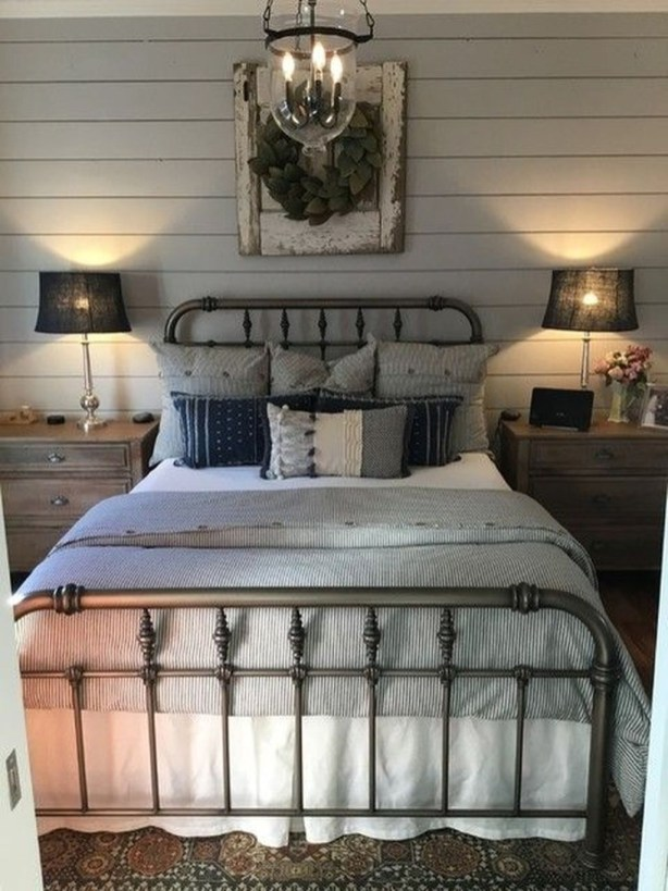 Gorgeous Farmhouse Bedroom Remodel Ideas On A Budget 46