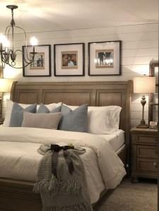 Modern Rustic Master Bedroom Design Ideas 19