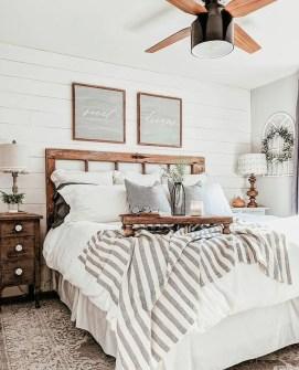 Modern Rustic Master Bedroom Design Ideas 26