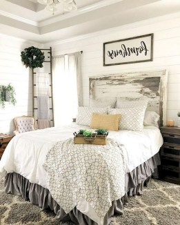 Modern Rustic Master Bedroom Design Ideas 44