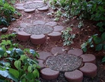 Newest Stepping Stone Pathway Ideas For Your Garden 05