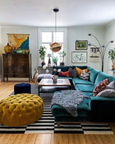 Adorable Colorful Pillow Ideas For Cozy Living Room 03