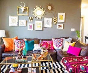 Adorable Colorful Pillow Ideas For Cozy Living Room 19