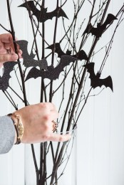 Cool DIY Halloween Decoration Ideas For Limited Budget 31