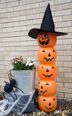 Cool DIY Halloween Decoration Ideas For Limited Budget 47