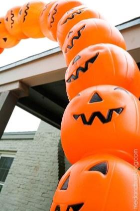 Cute Halloween Pumpkin Decoration Ideas For More Fun 24