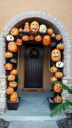 Cute Halloween Pumpkin Decoration Ideas For More Fun 44