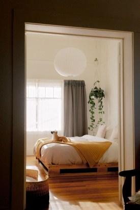 Minimalist Bedroom Decoration Ideas That Looks More Cool 17